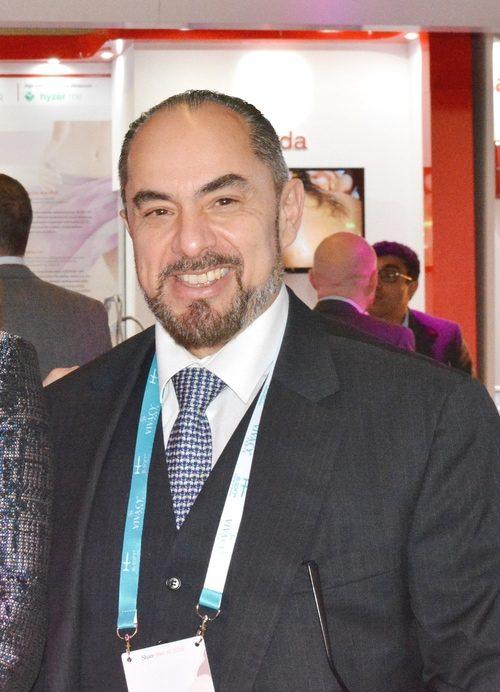 Νέα σειρά υαλουρονικού οξέος σε παγκόσμια παρουσίαση από τον πλαστικό χειρουργό Αθανάσιο Χριστόπουλο